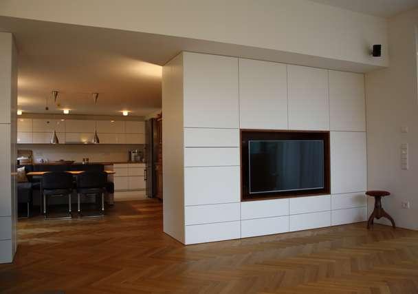 Wohnzimmer Blick  Küche