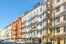 Vermietete Altbau-Büroeinheit mit 2 Balkonen