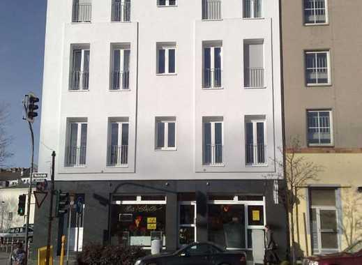 Düsseldorf-City: Altbau, helle großzüg. 2 - 3 Zi.-DG-Whg. mit Balkon u. EBK + Super-Aussicht!
