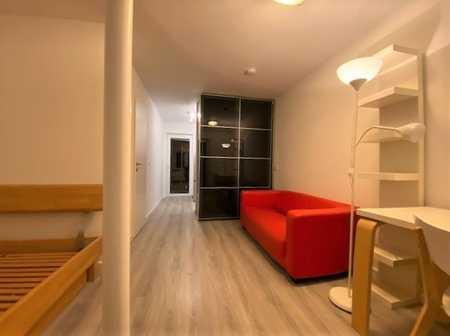 Großzügige 1-Zimmer-Wohnung mit Einbauküche und 2 Balkonen in ruhiger Bestlage Markt Schwaben in Markt Schwaben