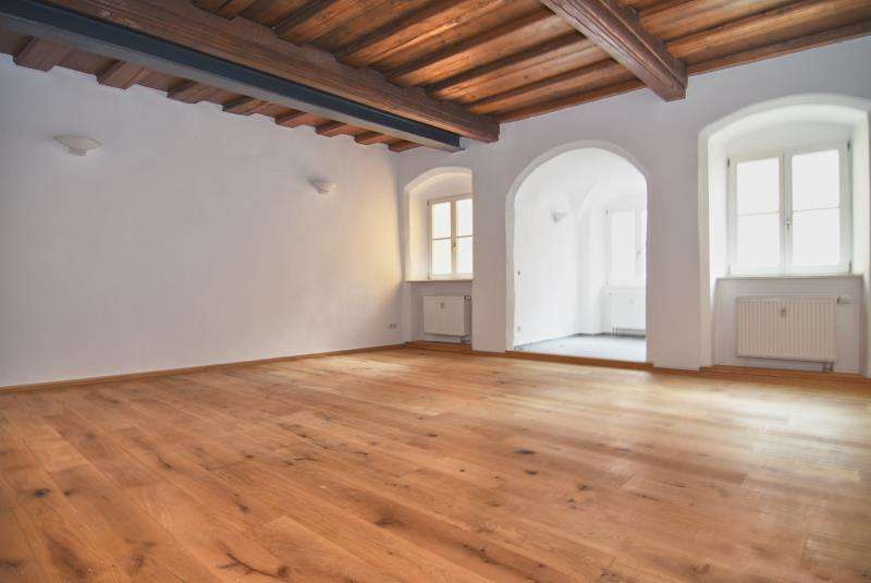 Wohnen im Denkmal - hohe Räume & zeitlose Details  in Altstadt (Landshut)