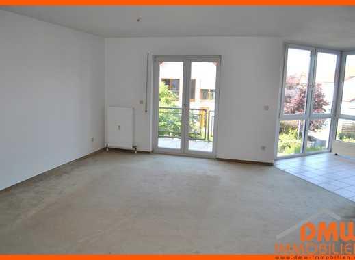 Renovierte, helle und ruhig gelegene 2 ZKB, Bad m Wa u Du, Balkon, EBK, PKW-Stellplatz, Keller