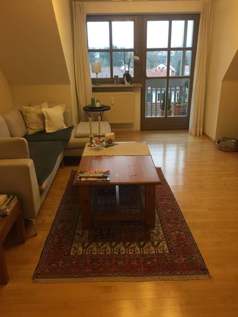 Neu renovierte drei Zimmer Wohnung in Geisenhausen,  südlich von Landshut in Geisenhausen
