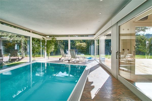 Exklusives 6 Zi.- Architektendomizil mit SPA-HAUS mit Indoorpool + ...