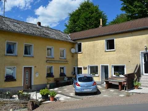 Einfamilienhaus Ca 130 Qm Mit Terrasse Garage Und Kleinem