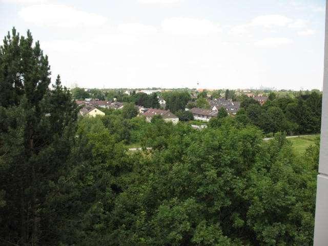 1 ZKB, 40 m² renov., Westausrichtung und traumhafter Blick über München bis zu den  Alpen in Perlach (München)
