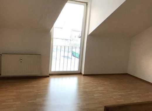 Wunderschöne helle Maisonette-Wohnung mit Garten und möglicher neuer EBK zu vermieten!!!