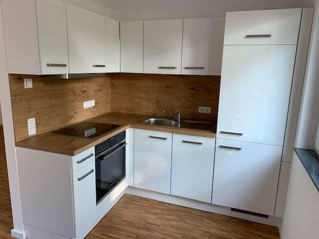 *** Exklusive, geräumige 1-Zimmer-EG-Wohnung mit Einbauküche und Tageslichtbad in Erlangen *** in