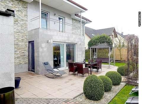 Grosses 6 Zi Einfamilienhaus Luxurios Ausgestattet Mit Ebk Terrasse