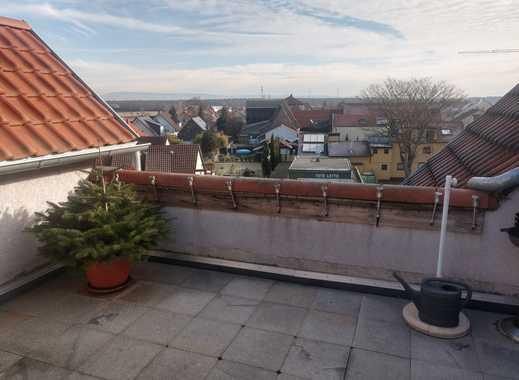 Ansprechende 2,5-Zimmer-Wohnung mit Balkon und EBK in Reilingen