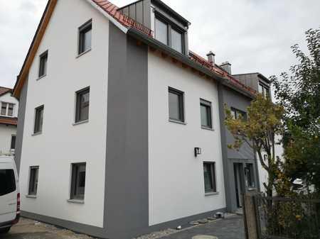 Erstbezug mit Balkon: exklusive 2-Zimmer-Dachgeschosswohnung in Augsburg - Lechhausen in Lechhausen (Augsburg)