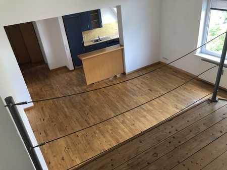 Großzügige 1-Zimmer-Wohnung mit Empore in Schwabing-West (München)