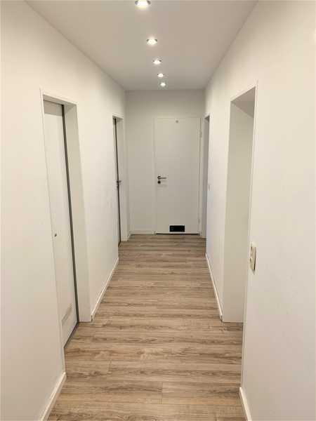Neuw. renovierte 4-Zimmer Erdgeschosswohnung mit Balkon in Ost (Bamberg)