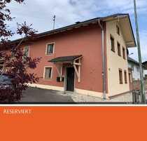 RESERVIERT MFH 303 m² Wfl Garagen -
