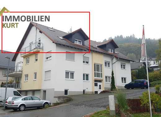Gepflegte Maisonetten-Wohnung mit Balkon und halb-geschlossene Dachgaube