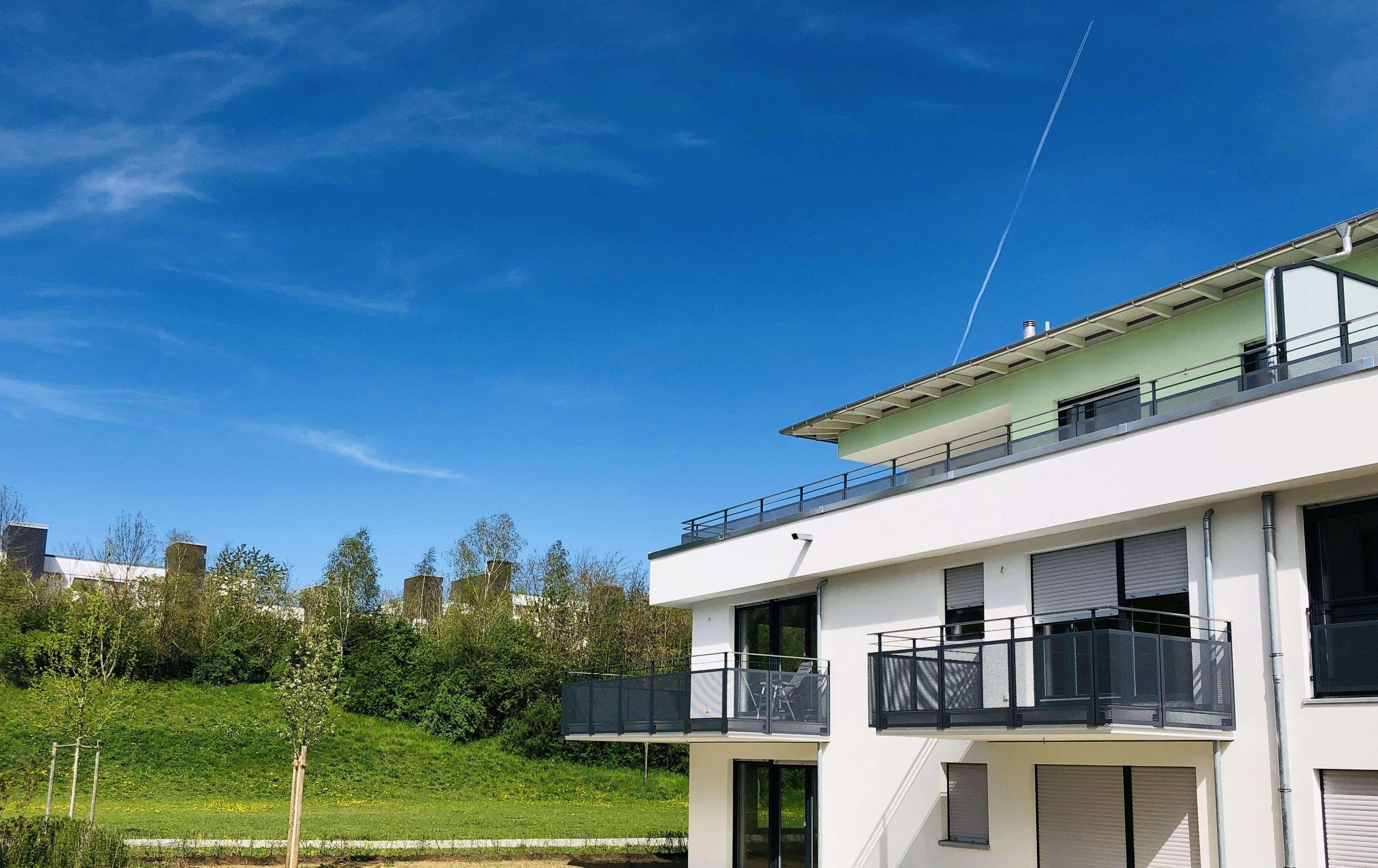 + TOP NEUBAU // ERSTBEZUG -- Exklusive Dachterrassenwohnung - Fußbodenheizung - 2 Bäder - 2x TG