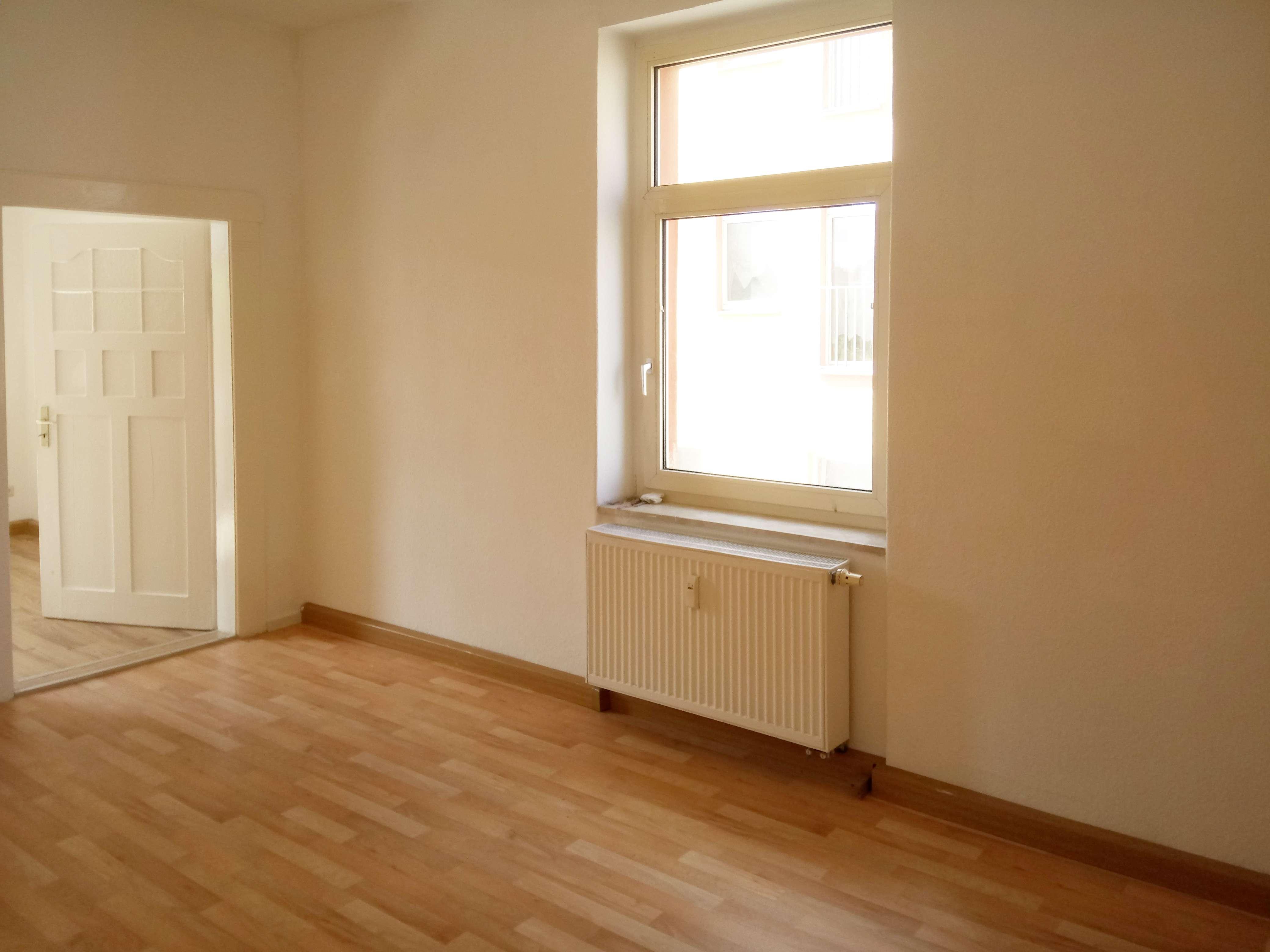 Tolle Wohnung im Altbau, zentral in Hof in