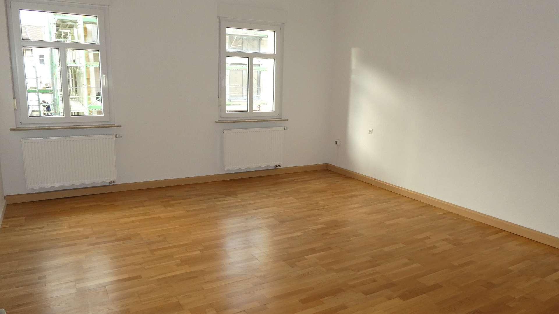 N-Muggenhof ! Sanierte chice 2-Zi-Altbau-Whg. ca. 76 m², 2.OG ohne Aufzug in