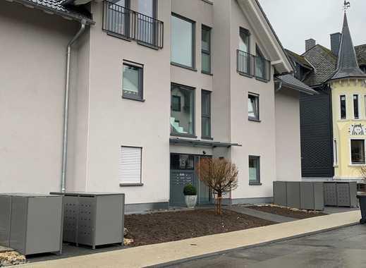 Neuwertige 3,5-Zimmer-Dachgeschosswohnung mit Balkon und EBK in Siegen