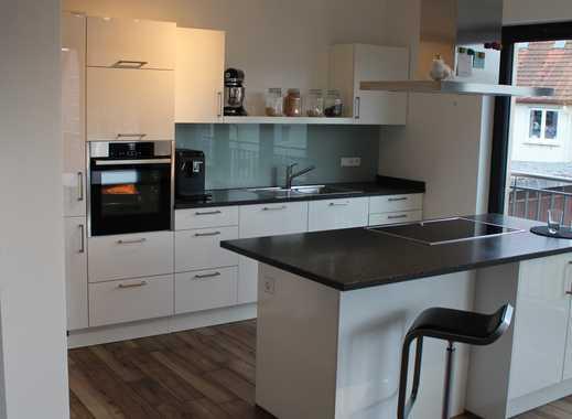 Neuwertige 4-Zimmer-Wohnung mit Balkon und Einbauküche in Rangendingen