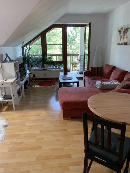 Helle, gepflegte kleine Wohnung mit Balkon in Germering (Fürstenfeldbruck)