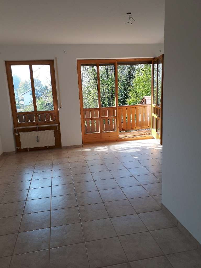 Sonniges 1-Zimmer-Apartment mit Balkon in Bayerisch Gmain in Bayerisch Gmain