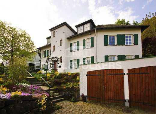 Bei Koblenz: Repräsentative Villa Mit Waldgrundstück