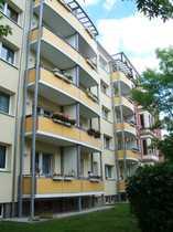 Erdgeschosswohnung mit Balkon Wohnküche Abstellraum