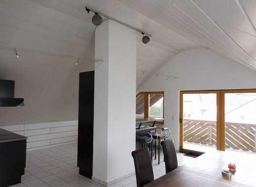 Vollständig renovierte 2-Zi-Dachgeschoßwohnung mit Einbauküche und Balkon in Riedstad/Leeheim
