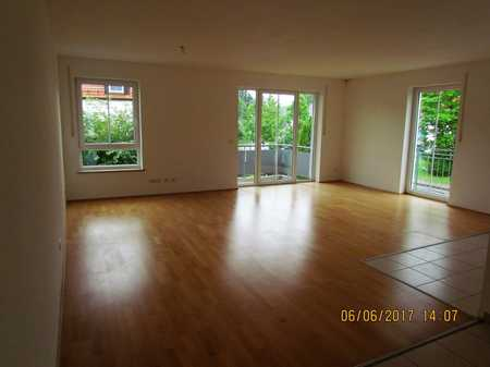 Sehr schöne 3 Zimmer Wohnung im 1.OG in Isen mit Einbauküche in einem gepflegtem Mehrfamilienhaus in Isen (Erding)