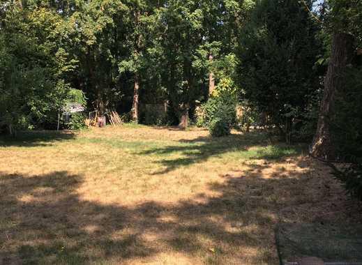Grundstück mit Bestandshaus in Berlin-Wannsee nahe Golfplatz