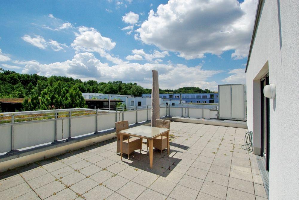 Elegantes und luxuriöses Wohnen mit großer Dachterrasse!