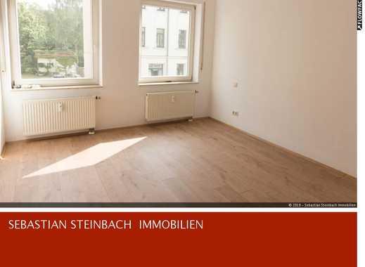 **Mitten in Gohlis: Offenes Wohnzimmer im amerikanischen Stil und viel Licht**
