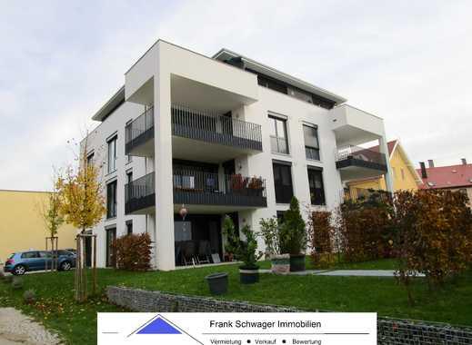 exklusive EG-Wohnung mit Garten: hochwertig ausgestattet in ruhiger Lage, mit Garage + Stellplatz