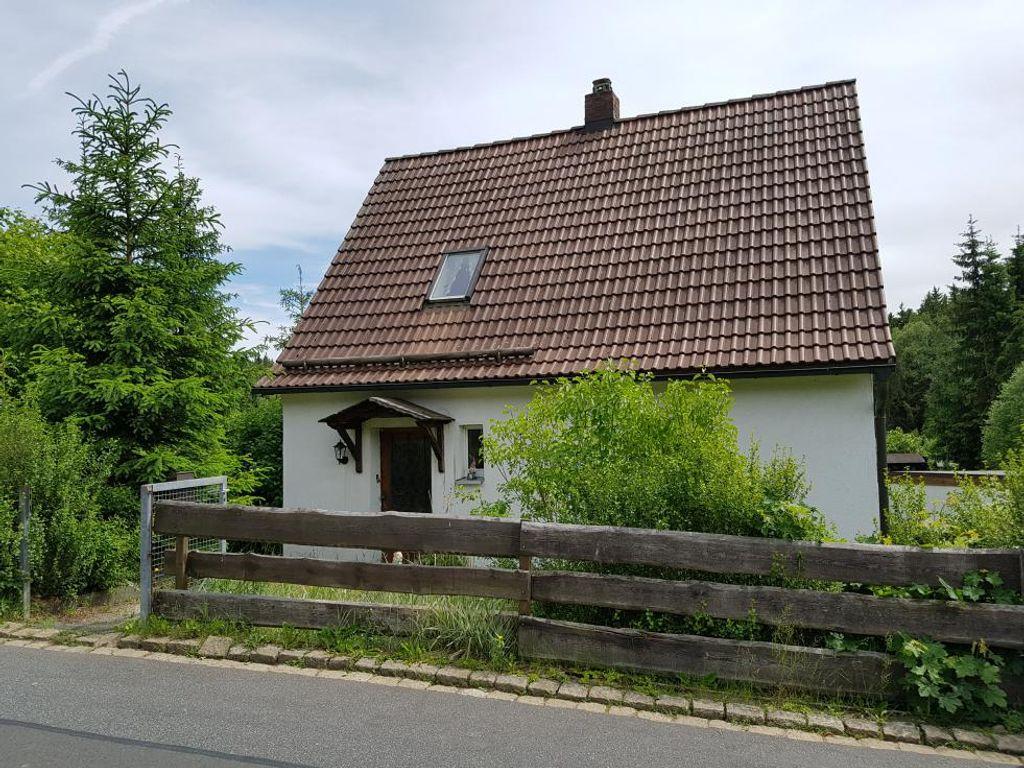 Haus Kaufen In Selb : ehemaliges siedlungshaus mit gro em grundst ck in selb ~ Watch28wear.com Haus und Dekorationen