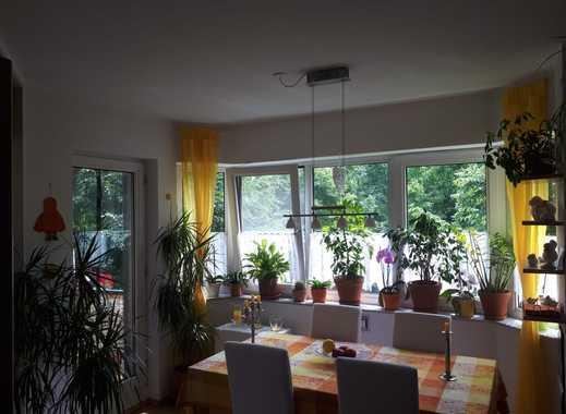 Mit Berechtigungsschein: Schöne drei Zimmer Wohnung in Bergen-Enkheim