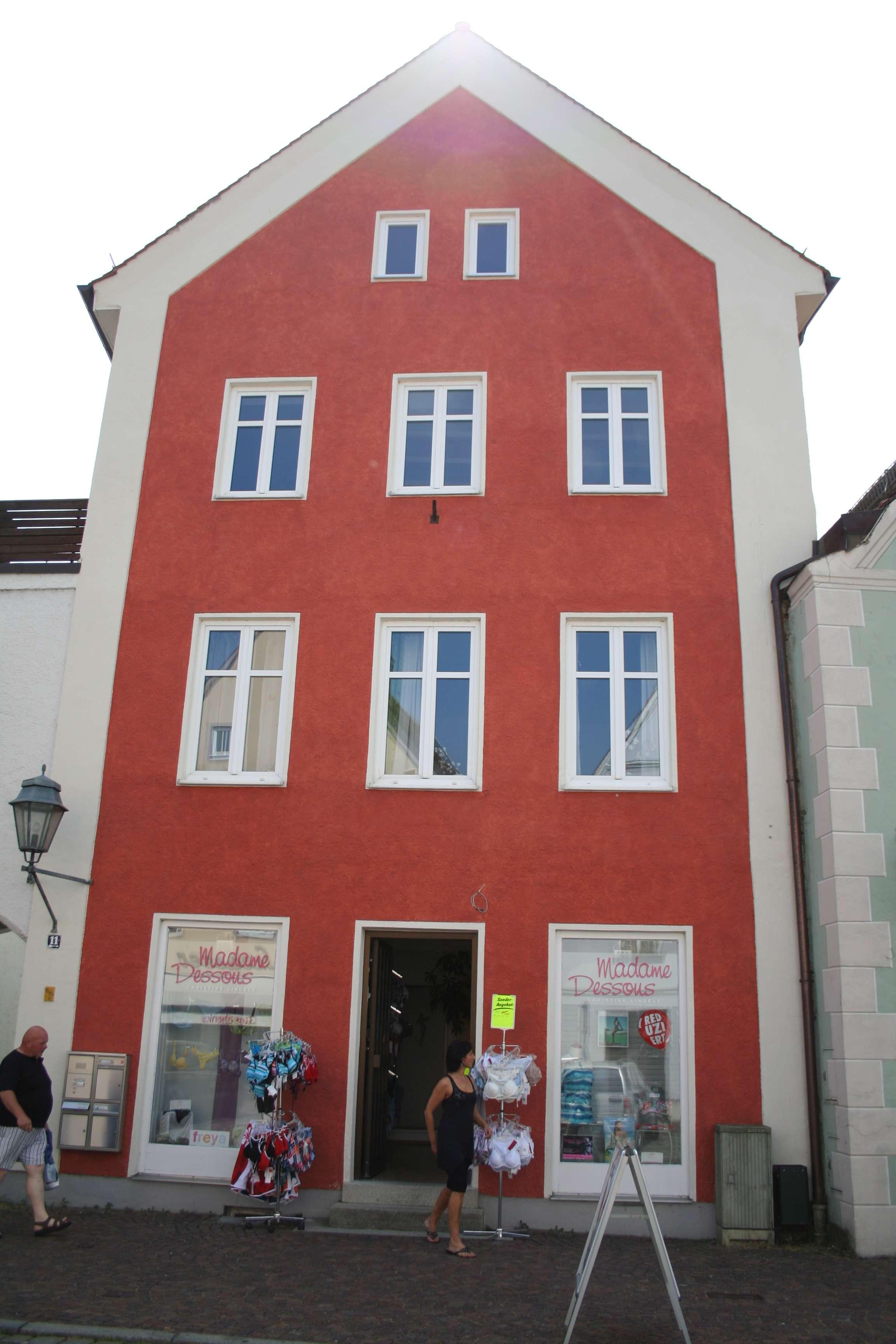 Helle, schöne drei Zimmer Wohnung in Aichach Stadtmitte im 2. OG in