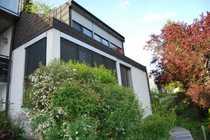 Moderne und großzügige Dachgeschosswohnung in
