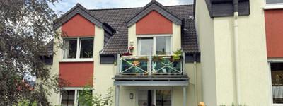 Moderne u. helle 3 Zimmer-Dachgeschoss-Wohnung mit Südbalkon, EBK u. Stellplatz in B.O.-Süd