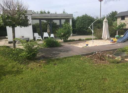 Kleines, modernes Gartenhaus auf Pachtgrundstück