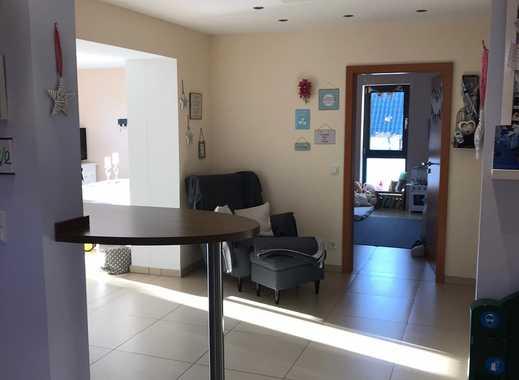 Neuwertige 4,5-Zimmer-Wohnung mit Balkon und Einbauküche in Overath