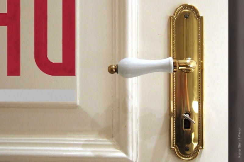 Muster Tür
