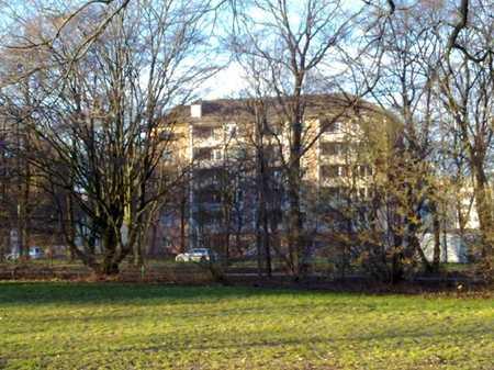 4 Zimmer am Park - WG geeignet  -  weitere Wohnungen auf Anfrage in Obersendling (München)