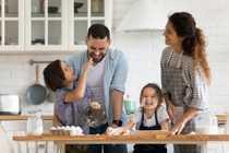 FAMILIEN-WOHNUNG MIT GROSSEM BALKON Ihr