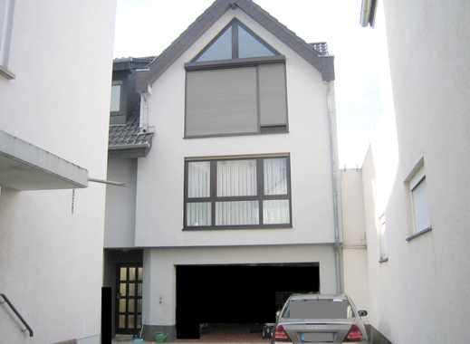 Provisionsfrei **** Modernes 3Zi. Haus mit Balkon, Garage und Gartennutzung ****
