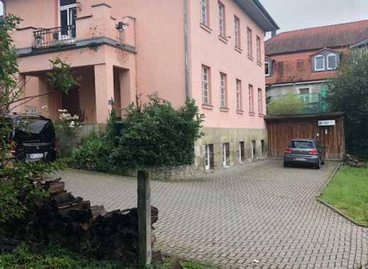 Villa in Bestlage zum Wohnen und , (oder) Arbeiten !