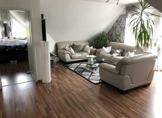 Fantastisch Wunderschöne Helle 2,5 Zimmer DG Wohnung Mit Balkon Und EBK In