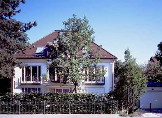 Traumhafte, sonnige Penthousewohnung in absoluter Bestlage in Nymphenburg-Gern von Privat