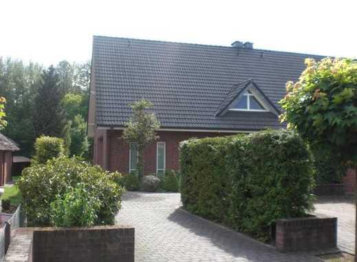 Exklusive Doppelhaushälfte (Sauna, Kachelofen, Garagen,...)