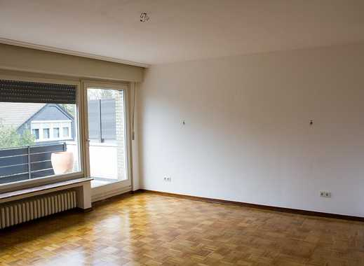 Modernisierte 2-Zimmer-Wohnung mit Balkon und Einbauküche in Rath/Heumar, Köln